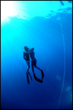 Freediving safety - assist freediver from depth